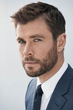 Chris-Hemsworth top 60 celebrities with a beard Chris Hemsworth Thor, Trendy Mens Hairstyles, Haircuts For Men, Short Hairstyles For Men, Hairstyles 2018, Harry Styles Haircut, Hemsworth Brothers, Celebrity Crush, Celebrity Guys