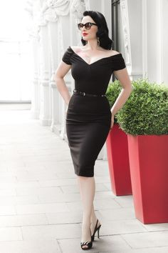 Vintage glamour from Ava Elderwood in our Fatale Black Pencil Dress #fashion #style #lbd #littleblackdress #elegant #chic #vintage #retro #glamour #AvaElderwood #theprettydress #theprettydresscompany