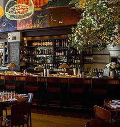 The Danny Meyer restaurant is always packed, thanks to the delicious, seasonal, and local American cuisine. The woodsy dining room, complete is so comforting | Gramercy Tavern in New York City
