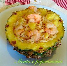 Ricetta Riso con ananas pinoli e gamberi Risotto, Oriental, Rice Cereal, Cannoli, Gnocchi, Finger Foods, Catering, Sushi, Pineapple