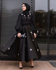 Women clothing Casual Fashion Ideas - - - Women clothing Over 50 Dress Styles Fashion Casual, Modest Fashion Hijab, Modern Hijab Fashion, Modesty Fashion, Hijab Fashion Inspiration, Inspiration Mode, Muslim Fashion, Fashion Dresses, Arab Fashion