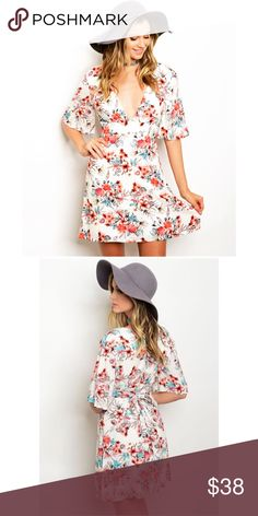 """Boho Floral Flutter Sleeve Tie Back Dress Floral Ivory Flutter Sleeve Tie Back Dress Fabric: 100% Rayon Small Sizing: L: 32"""" B: 24"""" W: 22"""" Model is wearing a size small Price is Firm Unless Bundled. GlamVault Dresses"""