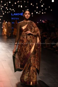 Gaurang, Lakme Fashion week 2017, Lakme Fashion week winter festive 2017, fashion revolution India, Runway fashion, luxury fashion, runway shopping Pattu Saree Blouse Designs, Blouse Neck Designs, Indian Saris, Indian Wear, Lakme Fashion Week 2017, Formal Saree, Kalamkari Saree, Desi Wear, Most Beautiful Dresses