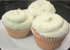 Margarita Cupcakes - So yummy! I doubled the tequila and tripled the lime zest in the frosting and they came out well! Sweet Cupcakes, Cupcake Cookies, Margarita Cupcakes, Margarita Tequila, Yummy Treats, Sweet Treats, Cooking Cake, Sweet Bakery, Other Recipes