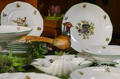 The familiar Animals and Birds of Field and Forest appear amidst green leaves and fronds, beside mushrooms, toadstools and the foliage of woodland trees. Admiring this decor is like country walk for a naturalist. As for Hunters and Foresters, it can provide them with an elegant table that reflects and  symbolizes their calling. Forest Plants, Country Walk, Wild Boar, Mocca, Elegant Table, Dinner Sets, Pet Birds, Stuffed Mushrooms, Hunting
