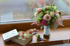 ARTEMI - poduszeczka ślubna na obrączki - wedding pillow, bukiet ślubny, dekoracje ślubne, dekoracje sal weselnych, dekoracje kościoła, pracownia florystyczna.