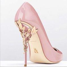 Pink stiletto high heel pumps #NancyJayjii #Highheels #Stilettopumps #Pinkshoes