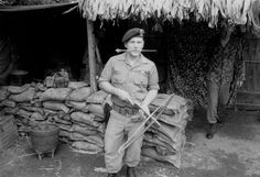 Early US Army Special Forces - Vietnam Military Guns, Military Photos, Military History, Us Special Forces, Special Ops, American War, American History, Usaf Pararescue, Army Green Beret