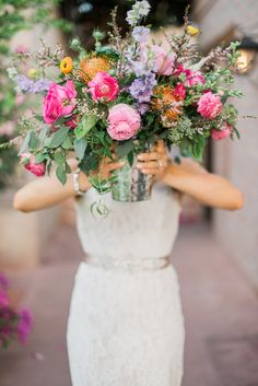 Arizona elopement bright floral arrangement | Featured on Cottage Hill | Photography by Rustic White