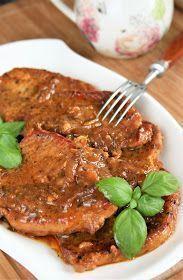 Mięso schabowe robię nie tylko tradycyjnie, w panierce, ale też często je duszę w sosie. To łatwy i zawsze pyszny obiad. Polecam również:... Pork Recipes, Cooking Recipes, Healthy Recipes, Yummy Food, Tasty, Good Food, Pork Dishes, Food Design, Food To Make