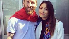 Lali Espósito y Lionel Messi: encuentro en Barcelona La cantante aprovechó su gira española para visitar al futbolista y confesarle su fanatismo. Fuente ... http://sientemendoza.com/2017/04/06/lali-esposito-y-lionel-messi-encuentro-en-barcelona/