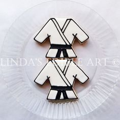 Karate Gi Cookies/ Yin Yang Cookies 1 Dozen di LindasEdibleArt