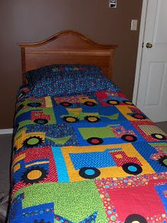 Patchwork Bebe Boys Sweets Ideas For 2019 Quilt Baby, Baby Boy Bedding, Quilt Bedding, Bedding Sets, Patchwork Quilting, Applique Quilts, Boys Quilt Patterns, Barn Quilts, Children's Quilts
