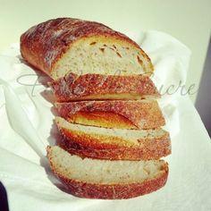 Pane al kamut con pasta madre. Una ricetta semplice e facile per il pane di tutti i giorni, ma che non tradisce mai e da sempre grandi soddisfazioni!!
