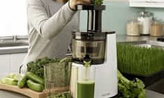 Hurom Cold Press Juicer Review