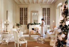 White Christmas in Spain, living room, decor Christmas In Spain, Country Christmas, White Christmas, Christmas Home, Ikea Design, Shabby Home, Provence Style, Theme Noel, Interior Decorating