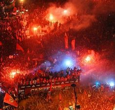 O Maior Clube do Mundo Football Fans, Portugal, Concert, World, Sports, Times, Happy, Canoeing, Rouge