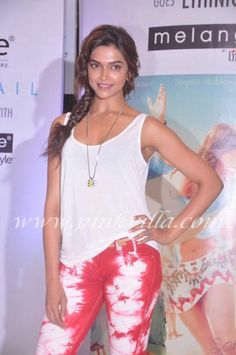 Deepika Padukone at the launch of Cocktail-inspired collection of ethnic wear