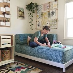 mad mim The mattress makeover // DIY chaise lounge Daybed Room, Diy Daybed, Daybed Couch, Twin Bed Couch, Diy Twin Mattress Couch, Daybed Ideas, Diy Sofa, Chaise Longue Diy, Canapé Diy