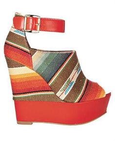 Im kind of in love with wedges for this summer!!!!! ohh noooo bank account!!!