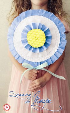 large rosette lollipop Would be cute for a shabby chic candy store bday party / baby shower Diy Flowers, Paper Flowers, Diy Paper, Paper Crafts, Paper Medallions, Crafts To Make, Diy Crafts, Party Props, Party Ideas
