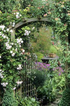 New Absolutely Free english garden entrance Concepts – Flower Garden Garden Entrance, Garden Gates, Walkway Garden, Front Walkway, Sunken Garden, Fence Gates, Garden Arches, Pergola Garden, Garden Seating