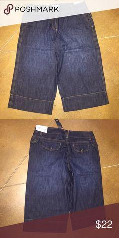 Ann Taylor Capri cropped pant ANN Taylor cropped jean, sits lowest on the waist nwt size 12! LOFT Pants Capris