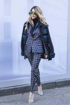 The Best Street Style from New York Fashion Week — Fluff Magazine Look Street Style, New York Fashion Week Street Style, Nyfw Street Style, Autumn Street Style, Cool Street Fashion, Street Chic, Street Style Women, Winter Style, Star Fashion