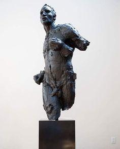 #JavierMarin, #javiermarinescultor. #escultura de #resina poliéster. #Arte, #artecontemporaneo, #figurahumana, #cuerpo. Polyester #resin #sculpture. #art, #contemporaryart, #humanbody, #body