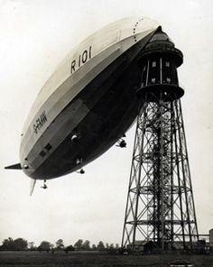 The R101 at its mooring mast