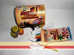 Lindo Kit Pintando o 7, acompanha:    * Baú G personalizado  * Tinta Guache 3 unidades  * Pincel  * Giz de Cera com 6 unidades em caixinha totalmente personalizada ( não é adesivo )  * Desenhos no tema para colorir.    Pode ser confeccionado em todos os temas.    ** QUANTIDADE MÍNIMA 30 UNIDADES** R$ 12,86