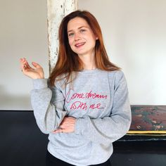 Bonnie Wright – Now Before Harry Potter, she had starred in only two movies: Stranded and Agatha Christie: A Life in Pictures. The Harry Potter franchise gave. Ginny Weasley, Hermione, Bonnie Wright, Bonnie Francesca Wright, Mundo Harry Potter, Theme Harry Potter, Harry Potter Actors, Taeyong, Elvis Presley