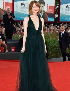 El estilo de las actrices nominadas a los Óscar - Emma Stone: http://www.marie-claire.es/moda/look/fotos/el-estilo-de-las-nominadas-a-los-oscar-2015/emma-stone5