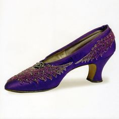 Silk satin pump with rhinestones and beading, Maxen-Gautiez, France, late 1890s. #fashion #vintage #antique #shoes