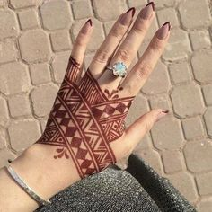Tribal Henna Designs, Modern Henna Designs, Finger Henna Designs, Mehndi Designs Book, Mehndi Designs For Beginners, Mehndi Designs For Girls, Mehndi Design Photos, Mehndi Designs For Fingers, Beautiful Henna Designs