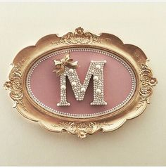 Letter A Crafts, Frame Crafts, Fun Crafts, Diy And Crafts, Arts And Crafts, Initial Crafts, Jewelry Crafts, Jewelry Art, Craft Projects