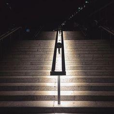 Die goldene Mitte #stairwaystowhatever #bikiniberlin  #berlin #gowest #architecture #light #mindthestep