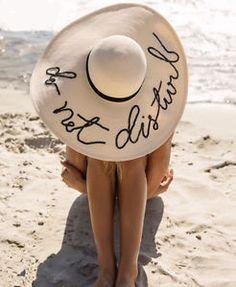 Love Marla Singer – No Limits – Join in the world of pin Summer Of Love, Summer Time, Summer Days, Summer Beach, Marla Singer, Foto Top, Eugenia Kim, Beach Bum, Beach Hats
