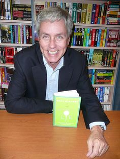 """Carl Hiaasen at Warwick's for """"The Downhill Lie"""" - May 2008 Good Books, Books To Read, My Books, Carl Hiaasen, Olympians, The Man, Authors, Literature, Writer"""