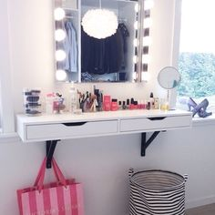 Please help me find the vanity table that you can hang onto the wall!