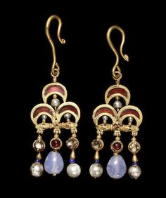 A pair of Byzantine gold, garnet, pearl, and sapphire earrings Circa Century A. So many centuries later, today's earrings look very similar. Roman Jewelry, Old Jewelry, Tribal Jewelry, Jewelry Art, Antique Jewelry, Vintage Jewelry, Pandora Jewelry, Antic Jewellery, Jewlery