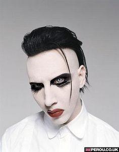 Marilyn Manson est chauve!!