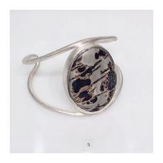 Uma paixão chamada Bracelete Garimpo!  .  #joiasrenatarose #joias #renatarose #joiasparaamar #designdejoias #design #joiascompersonalidade #modernistjewelry #modernjewelry #modernist #modernistdesign  #designmoderno #modernista #designmodernista #slowjewelry #slowdesign #designmaker #cooljewelry #Joyá #joyaipanema #temnajoya #tendencia #instafashion #euquero #achochic #estilo #atitude #mystyle #estilounico #estilourbano