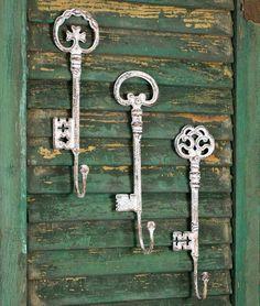 Shabby Chic Vintage Set of Three Oversize Key Hooks - *FREE SHIPPING*