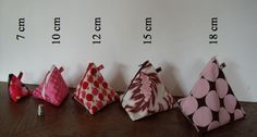 Tutorial for piramid bags with fabric dimensions for different sizes. In french but good photos.