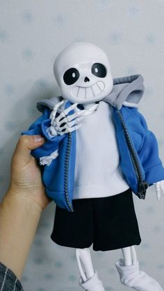 undertale sans... Whoever made this, this is actually pretty cool... You must've put a skele-ton of work into it.