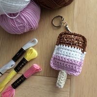 Pdf Pattern for Fab Ice Lolly Crochet Keyring Quick Crochet, Crochet Food, Crochet Gifts, Cute Crochet, Amigurumi Patterns, Knitting Patterns, Crochet Patterns, Crochet Keychain Pattern, Crochet Accessories