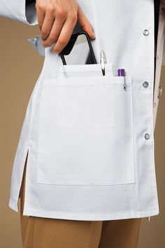 66 ideas medical doctor outfit fashion lab coats for 2019 Doctor White Coat, Doctor Coat, Scrubs Outfit, Scrubs Uniform, White Lab Coat, Lab Coats, Medical Uniforms, Outfit Trends, Medical Scrubs