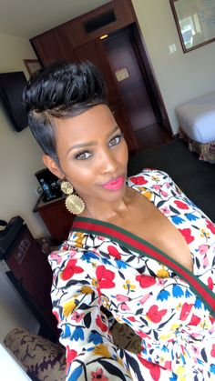 My board short hair in 2019 стрижка Black Women Short Hairstyles, Cute Hairstyles For Short Hair, Curly Hair Styles, Natural Hair Styles, Short Sassy Hair, Short Hair Cuts, My Hairstyle, Relaxed Hair, Hair Today