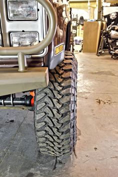 15 1988 Chevy Bug Out Blazer Toyo Open Country MT - Photo 174997130 - Bug-Out Blazer Part Tires fit for apocalyptic-level mayhem, B. becomes one with its Toyo's Chevy Blazer K5, K5 Blazer, Chevy 4x4, Chevy Trucks, Fall Guy Truck, Overland Truck, Tyre Fitting, Off Road Trailer, Bug Out Vehicle